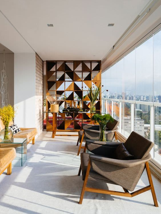 Decoração de apartamento: Envidraçamento de Sacada